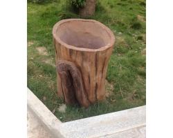 麻城古孝感景区仿木垃圾桶